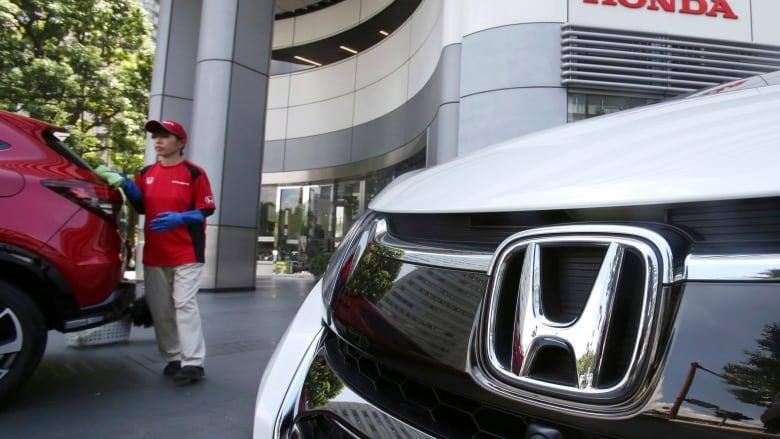 Recalls Honda Com >> Honda Recalls 1 4 Million More Cars To Replace Airbag Inflators