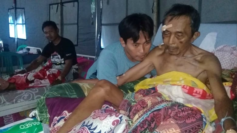 Indonesia tsunami and natural disaster  kill 384, leave hundreds injured