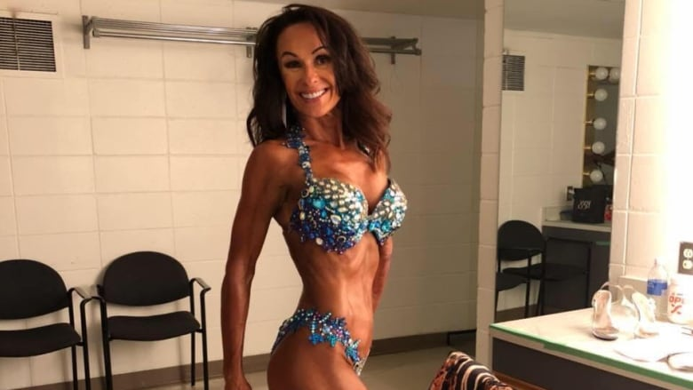 52-year-old asparagus farmer starts bodybuilding, competes for cover of Maxim magazine