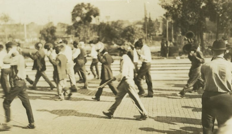 Tulsa seeks mass graves from 1921 race riot that left up to