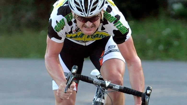 9aa0039c3 Armstrong whistleblower Floyd Landis starting own cycling team based ...