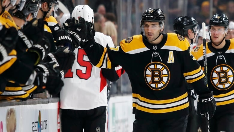 Bruins' Bergeron has hat trick; Sabres' Eichel gets 2 in win