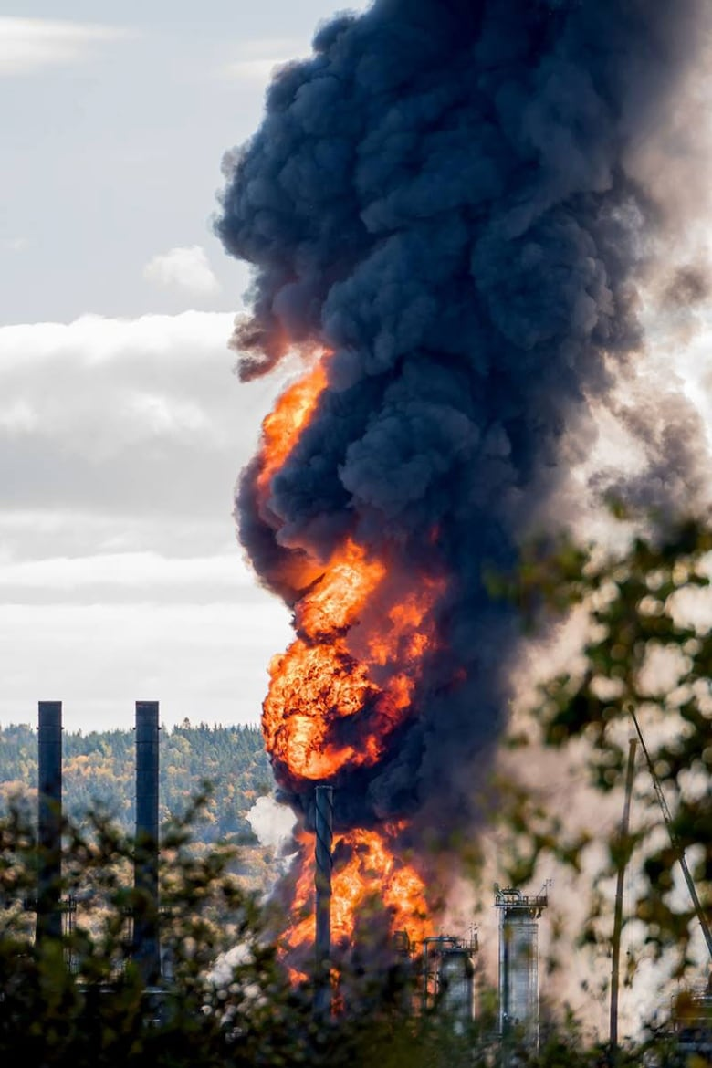 Following Saint John oil refinery blast and fire, Irving Oil