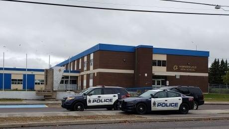 Thunder Bay police arrest 2 people linked to Hammarskjold High School threats