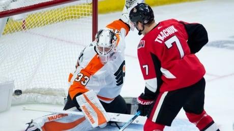 Flyers pound Senators to put damper on rookie Tkachuk's big night