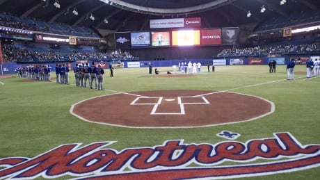 blue-jays-brewers-montreal-1180