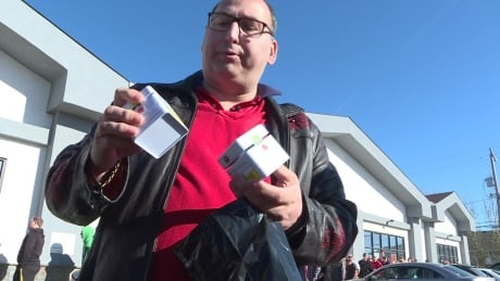 'I've never had a receipt for this stuff': Sask. shoppers head to suburbs on 1st day of legal cannabis