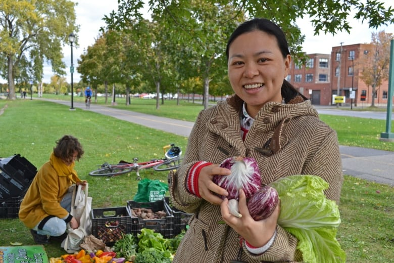 'It is actually free': Montreal man gives away heaps of farm-fresh veggies every week