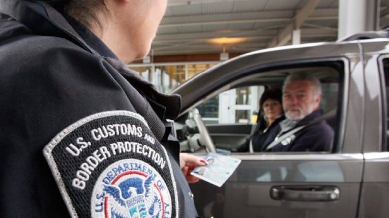 Border officials to start sharing data about U.S., Canadian travellers