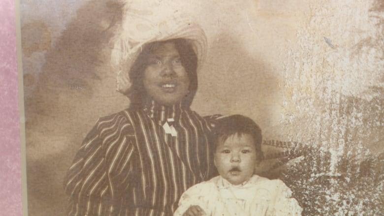 Long-separated mother and daughter reunite at Edmonton airport