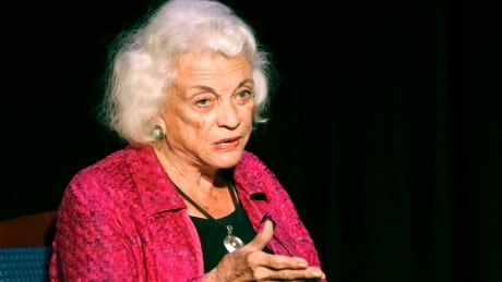 Sandra Day O'Connor, 1st woman on U.S. Supreme Court, is battling dementia