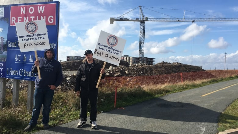 Unionized Nova Scotia Crane Operators Strike Cbc News