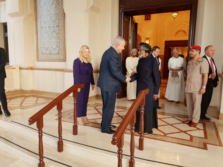 Israel, Oman heads of state meet for 1st time in 22 years