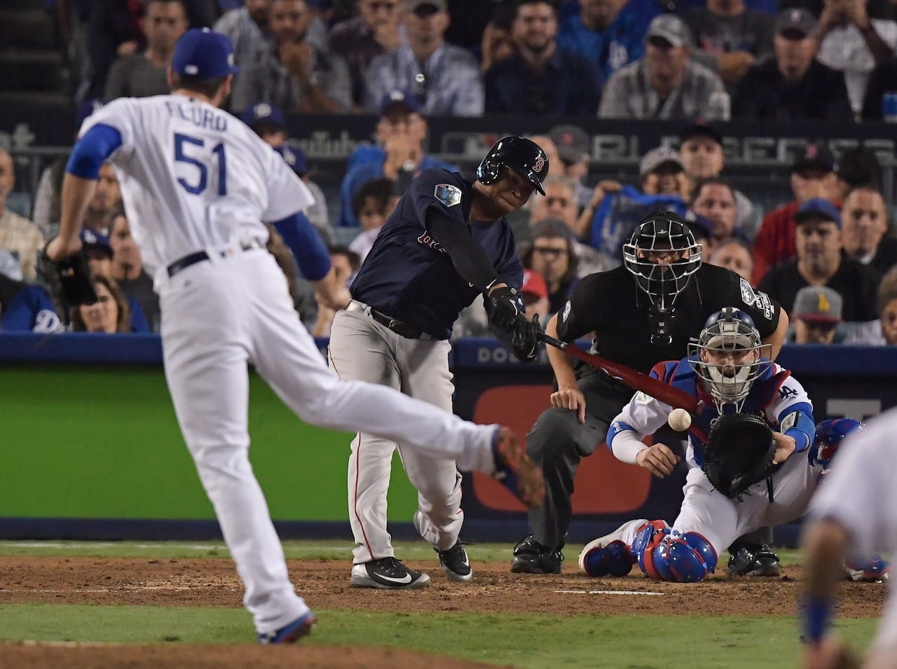 b312444f6 Red Sox steal Game 4 from Dodgers, 1 win away from World Series title | CBC  Sports