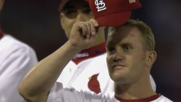 Cardinals promote Canada's Stubby Clapp to 1st base coach