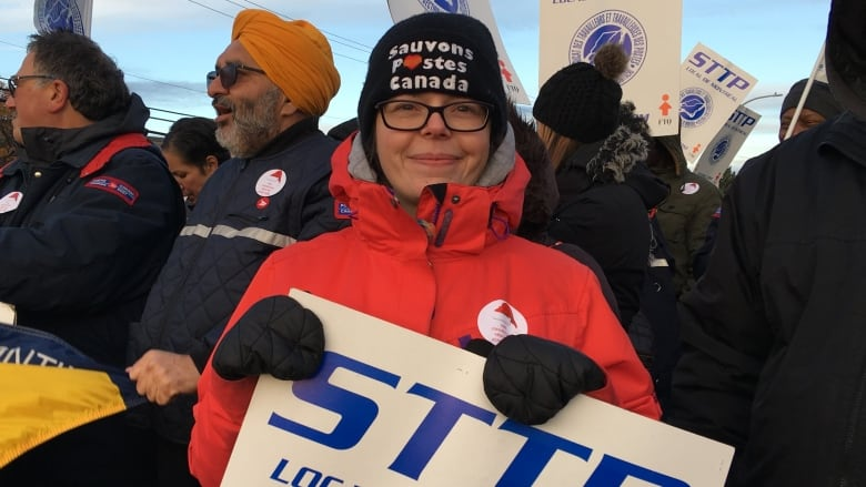 Postal Strike hits Ottawa, Renfrew and Arnprior today