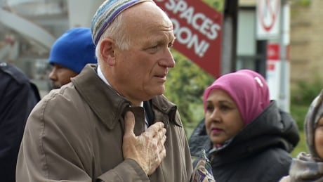 Rings of peace Jewish synagogues shooting Toronto