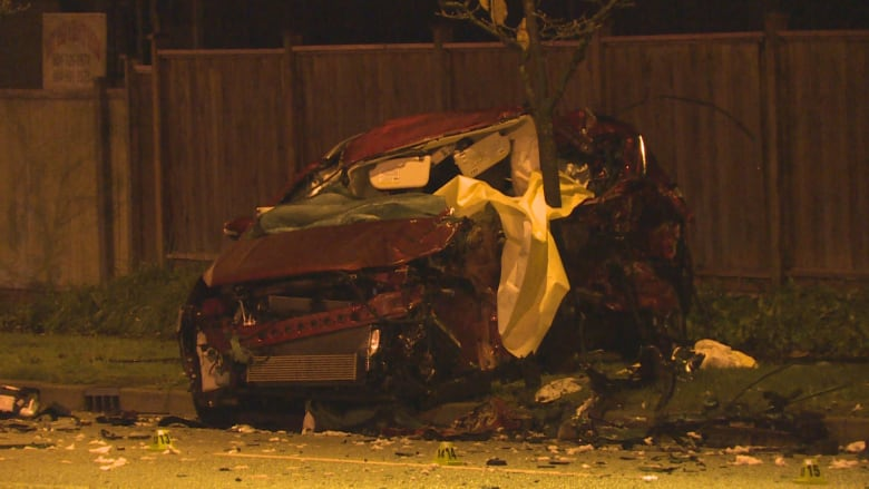 Accident In Surrey Today >> 1 Dead 3 Injured In Surrey Car Crash Cbc News