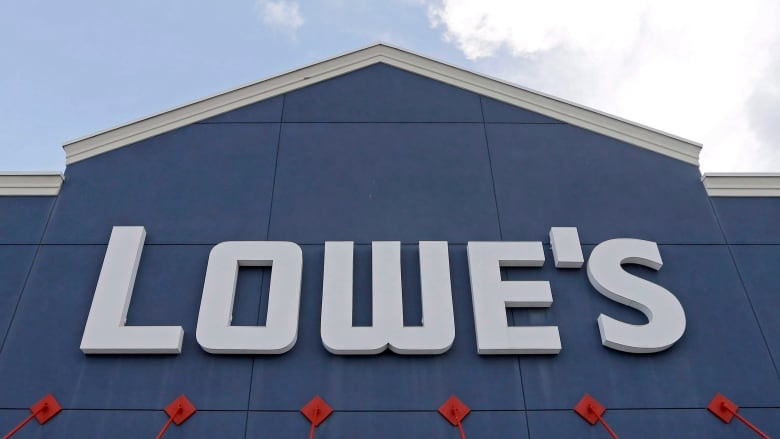 Lowe's closing 31 locations in Canada, mainly Rona stores