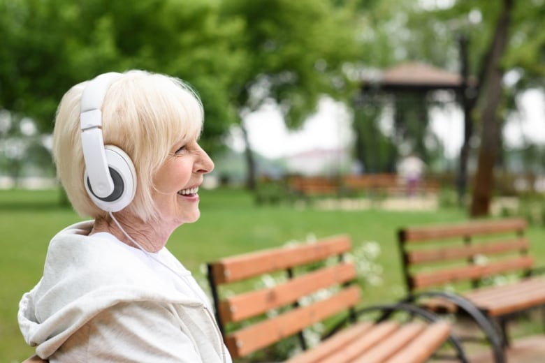 Familiar music could give Alzheimer's patients a cognitive boost, study suggests