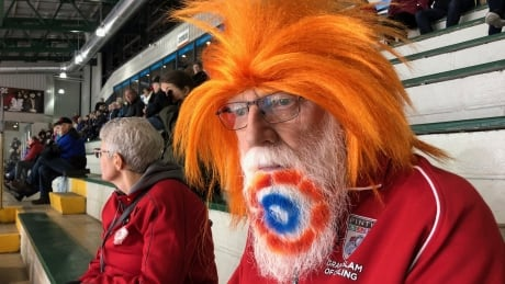 Iconic curling fan — and his memorable beard — back at curling bonspiels