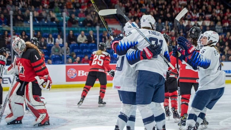 Four-nations-cup-canada-united-states-111018-629