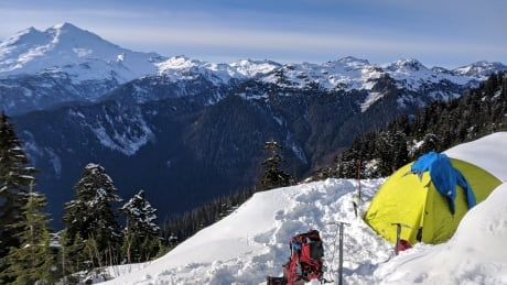 Hot tips for avoiding hypothermia in the backcountry from a Squamish paramedic