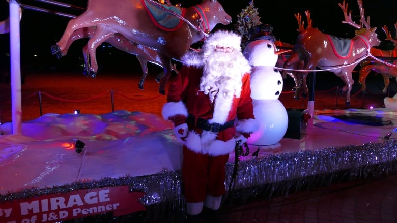 Stay Ho Ho Home Winnipeg Santa Claus Parade Going Virtual In Light Of Pandemic Cbc News