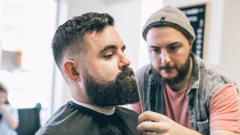 How to maintain that trendy facial hair | CBC News