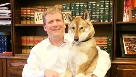 Massachusetts mayor takes terminally ill dog to B.C. for final epic road trip
