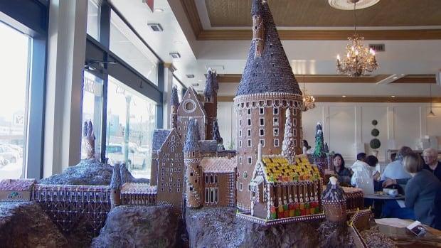 Magic touch: Edmonton cafe builds gingerbread replica of Hogwarts castle | CBC News