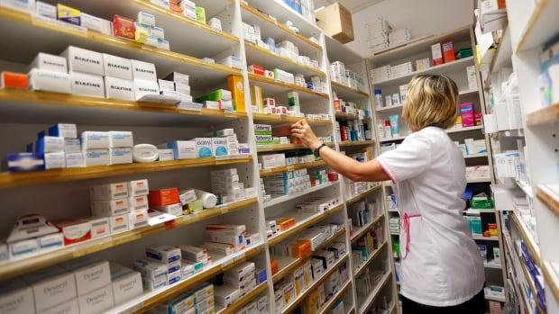 'Unprecedented' drug shortages affecting many Canadians, new survey suggests