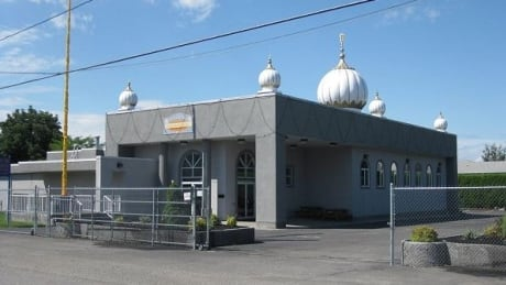 'Ignorance and fear': Racist graffiti at Kelowna Sikh temple draws condemnation