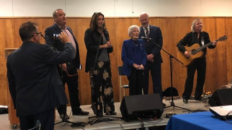 How a 93-year-old veteran helped raise $2K with one song