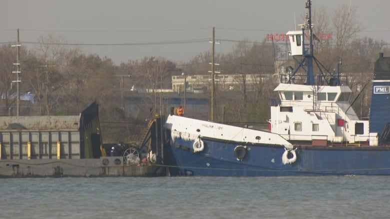 Barge crashes into dock in Detroit River | CBC News
