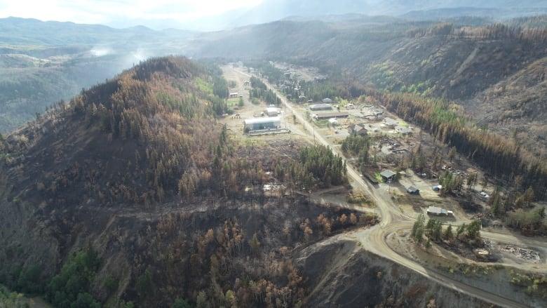 Wildfire emerges from hibernation near Telegraph Creek, B.C.