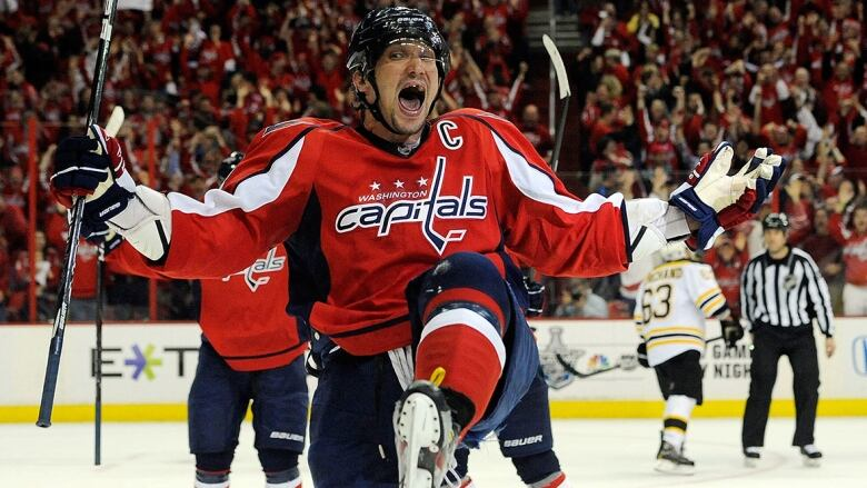 Who s the greatest goal-scorer of all time   8b2466b5ac