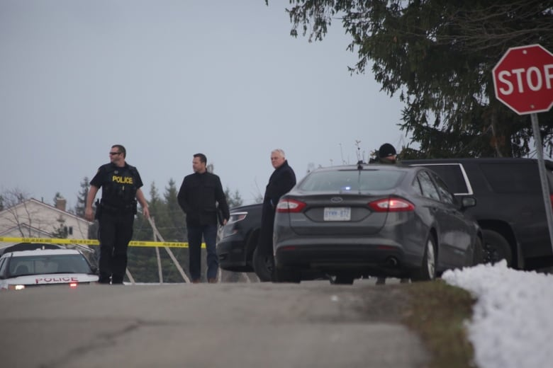 A Niagara police officer shot and wounded his colleague; the mayor wants to know why