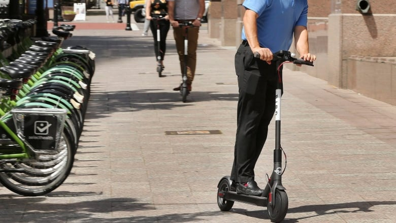 Nashville considers banning e-scooters as Calgary, Edmonton