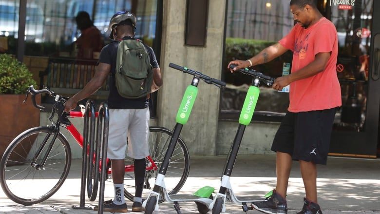 Dockless E Scooters And E Bikes Are Coming Montreal Looks