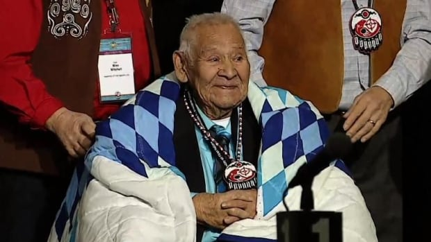 Last WWII Mohawk code talker honoured by Assembly of First Nations | CBC News