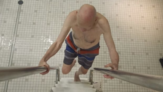 'I do Not want to get Older': Meet with the 91-year-old That backflips off the Top diving board thumbnail