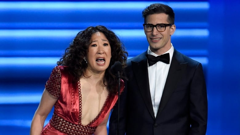 Sandra Oh and Andy Samberg to Co-Host 2019 Golden Globe Awards