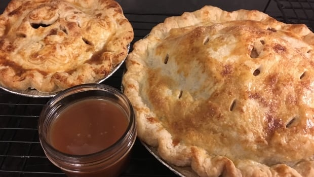 Salted caramel sauce puts festive twist on classic apple pie
