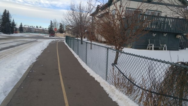 Residents confused over who's responsible for shovelling some Calgary pathways