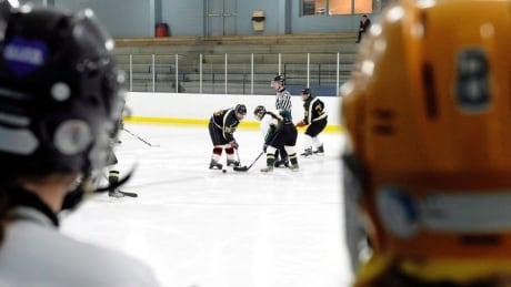 Little people advocates push to change 'midget' hockey name | CBC