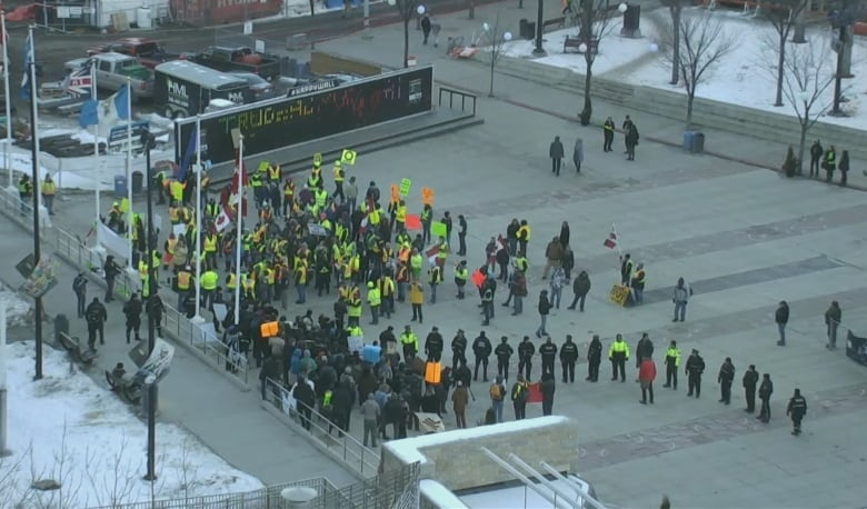 Violence breaks out at anti-immigration protest in Edmonton