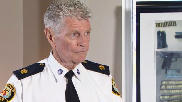 Ron Taverner staying with Toronto police