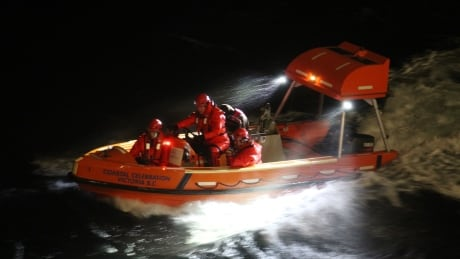 1 person rescued from sinking vessel  off Sidney, B.C.