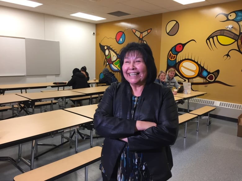 Pikangikum, Ont , 1st remote community connected to